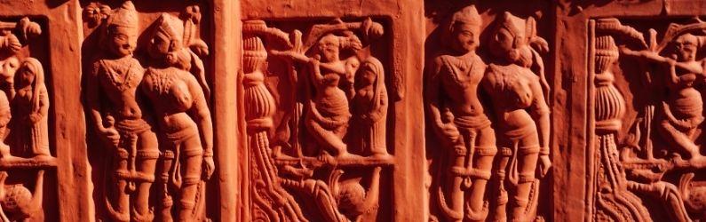 bas reliefs asiatiques